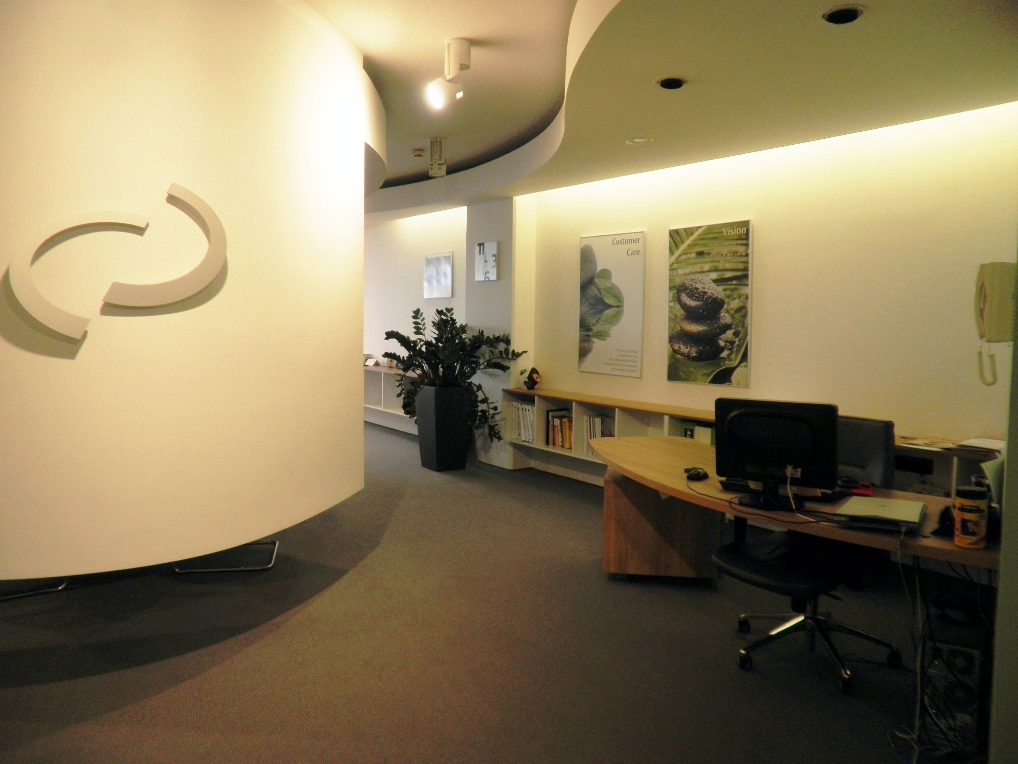 Month to month coworking office