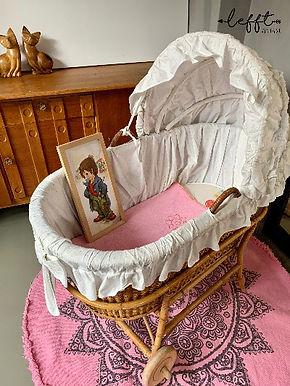 Vintage Rotan Baby Wieg