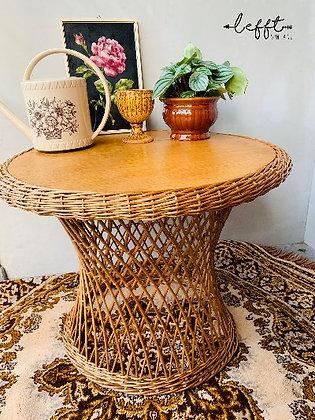 Vintage rieten tafel