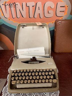Triump Tippa typemachine