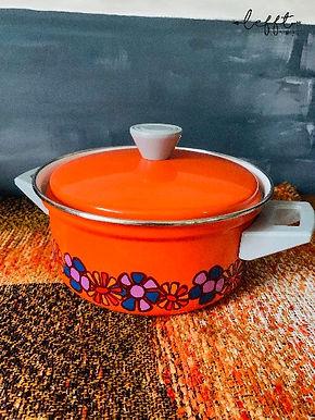 """Retro Oranje 70's Pan """"Diana"""" decor"""