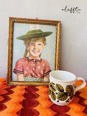 Vintage schilderijtje met meisje