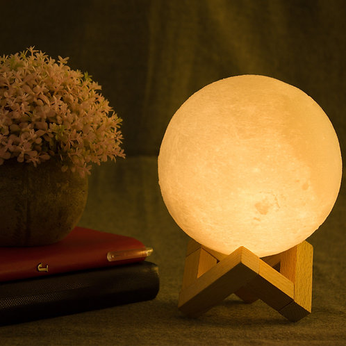 Moon Lamp: 3D Printed, USB, LED, Color Changing