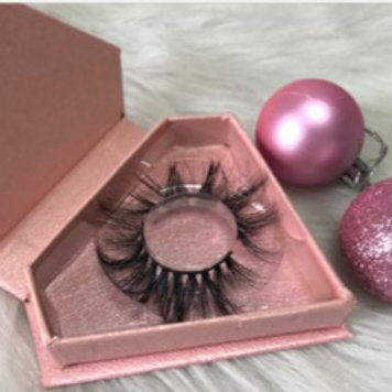 Pink diamond case lashes