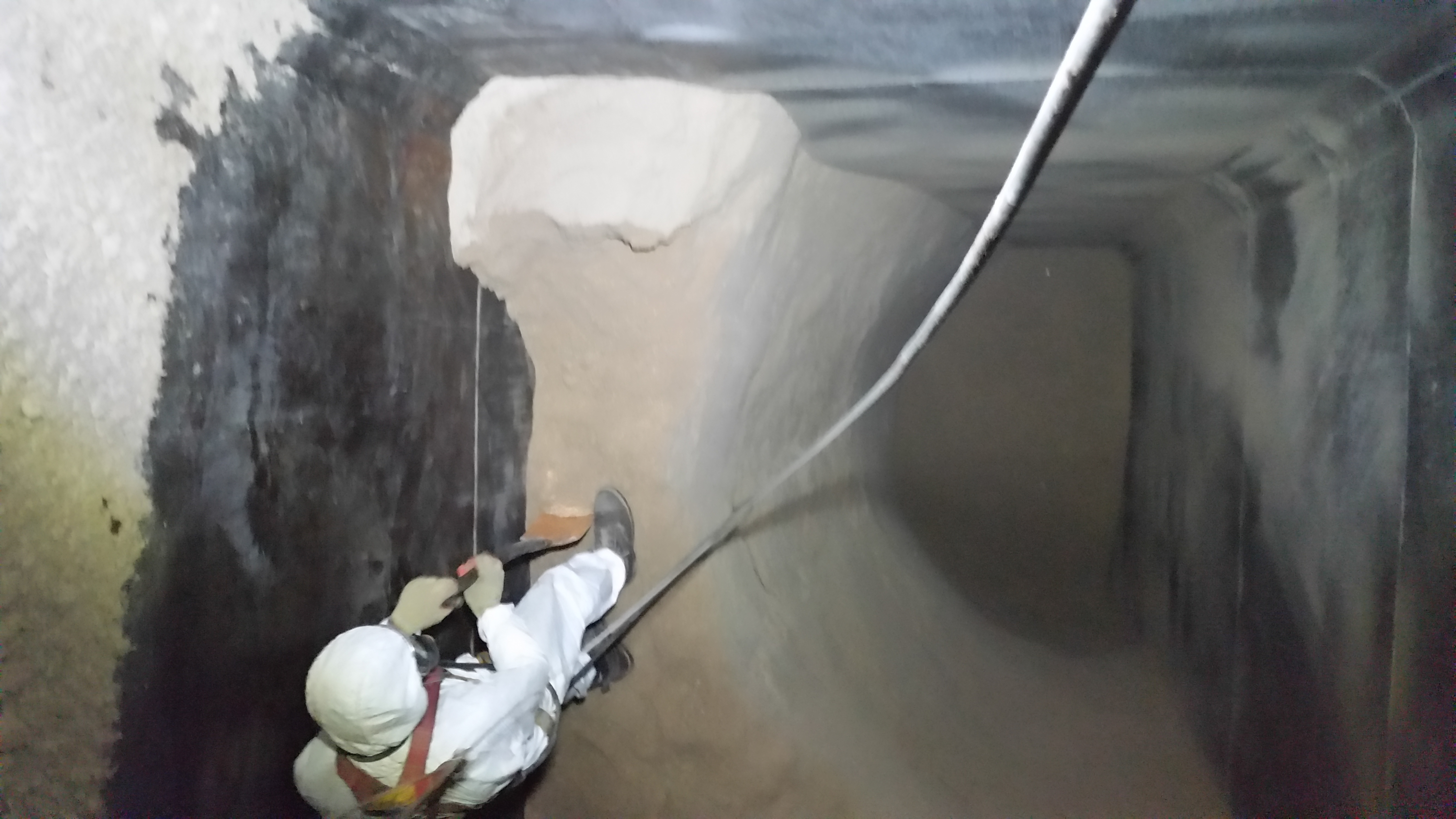 Image of silo cleaning