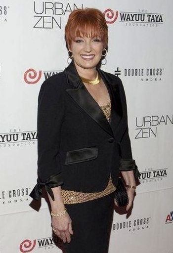 Debbie Meyer, Woman of the Year, Wayuu Taya
