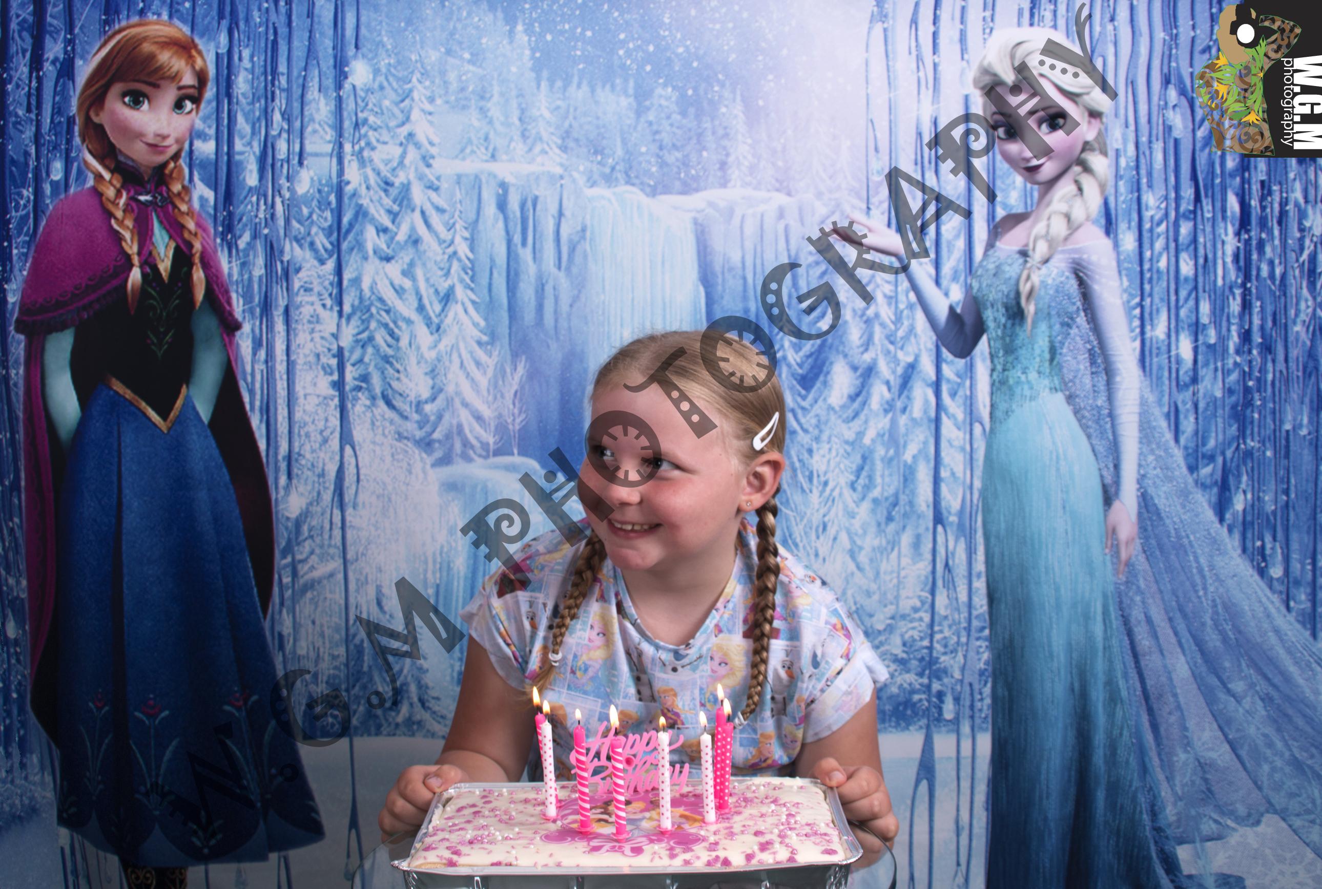 IMG_0978 kayleigh cake lit