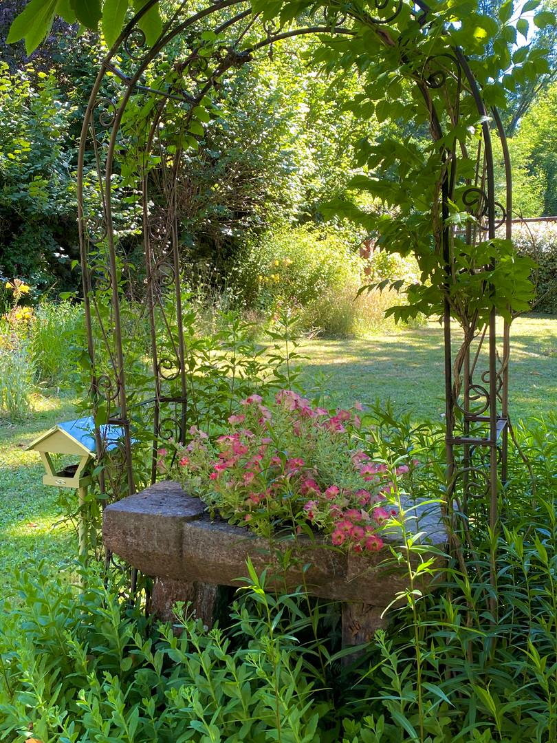 gloriette jardin maison.jpg
