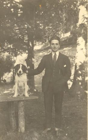 Georges Azais et son chien Top.jpg