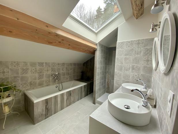 Salle de bain 2nd 2.jpg