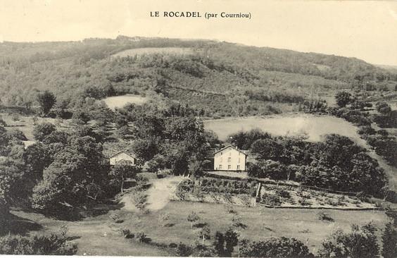 Le Rocadel vue de la colline d'en face.jpg