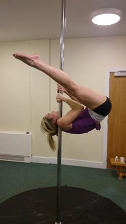 Pole-Fitness-Shouldermount_edited