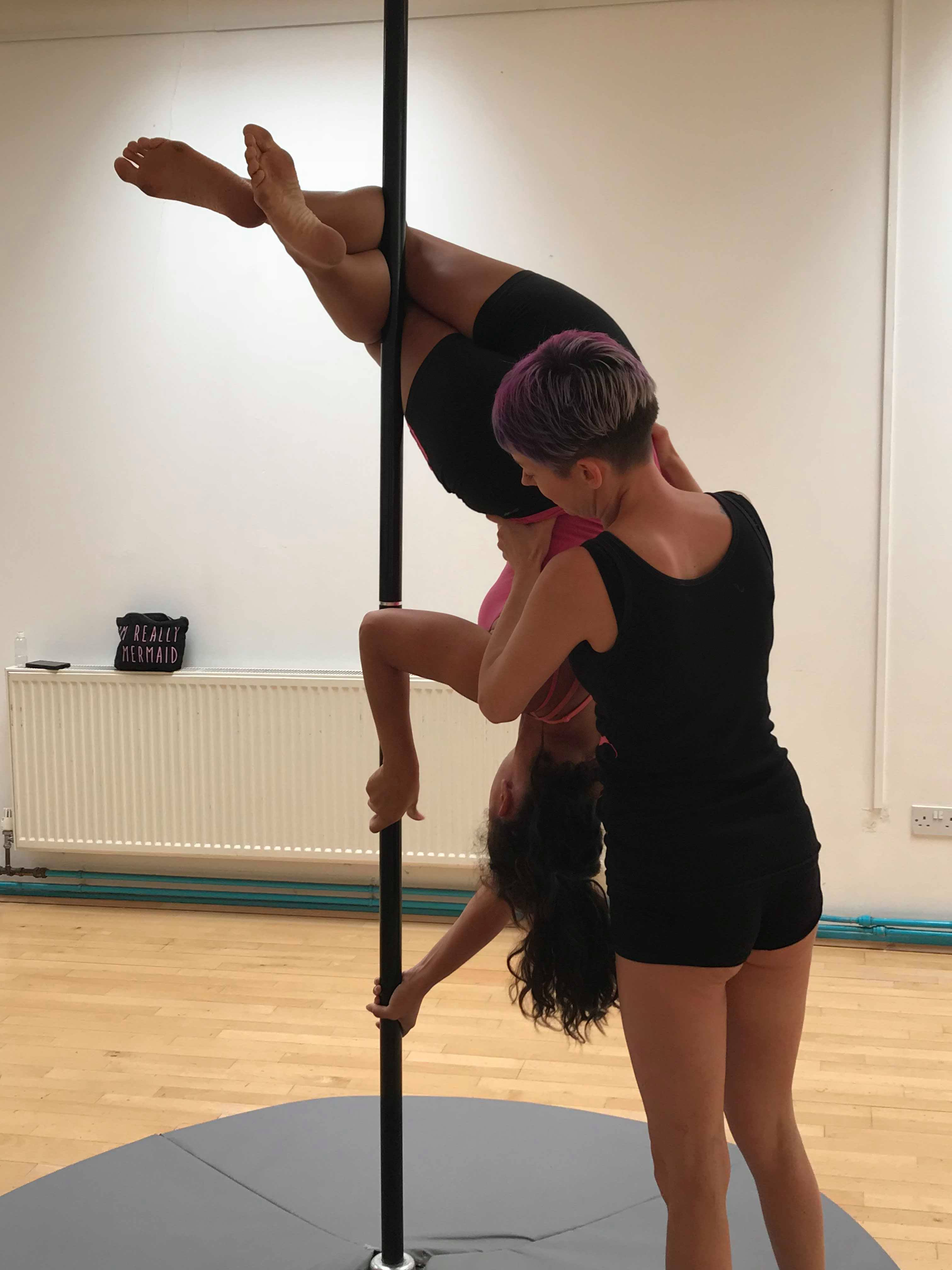 Pole-fitness-littlehampton-spotting-1