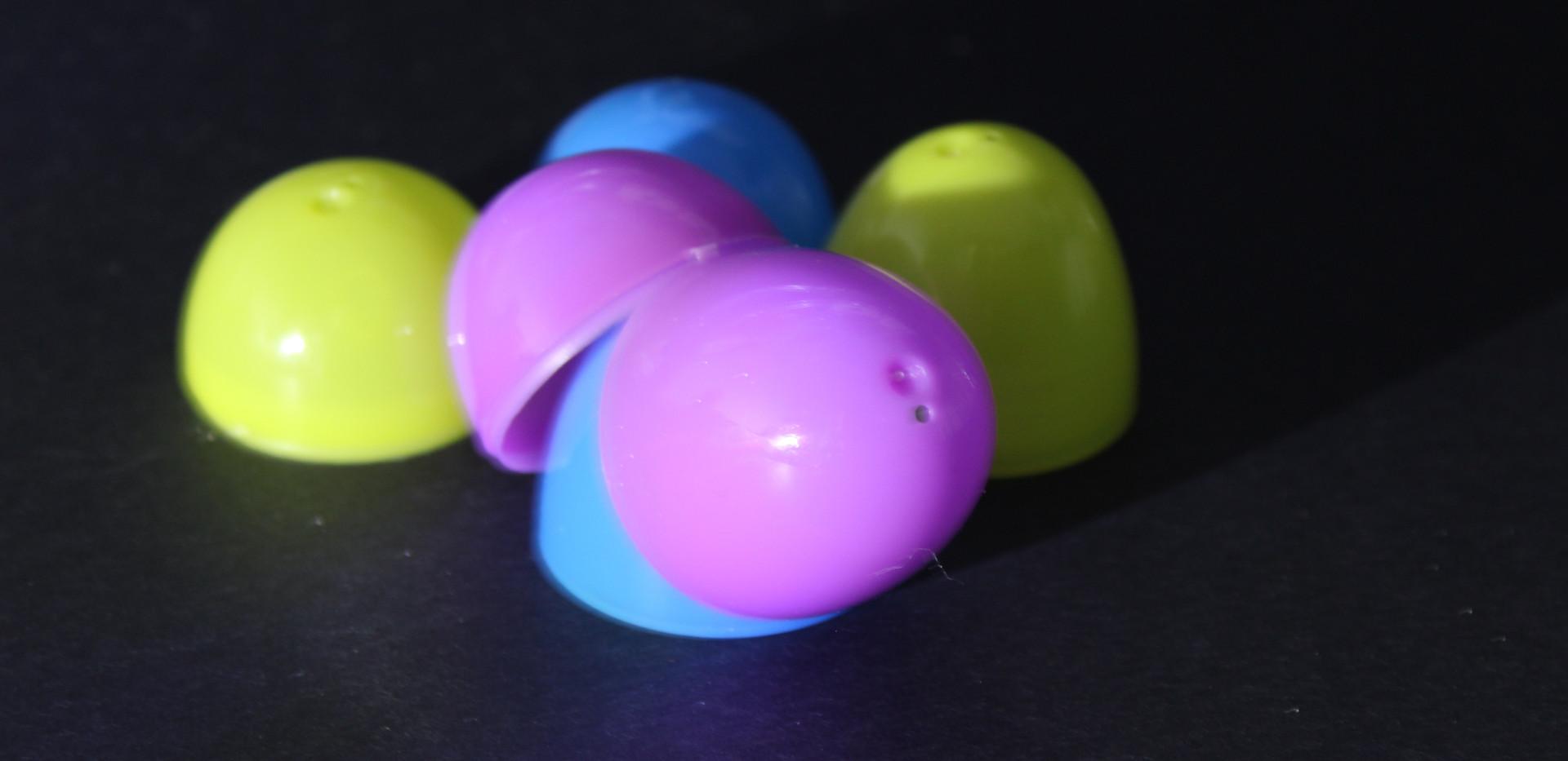 eggs on black Margaret_9390.JPG