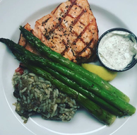 GrilledSalmonLunch.png