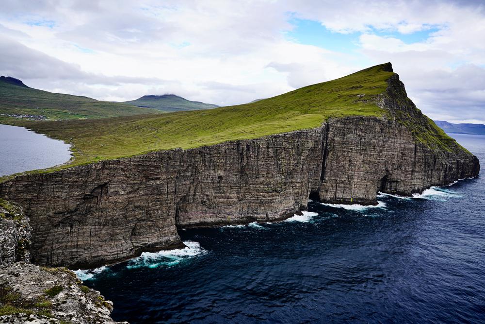 Trælanípa, Faroe Islands