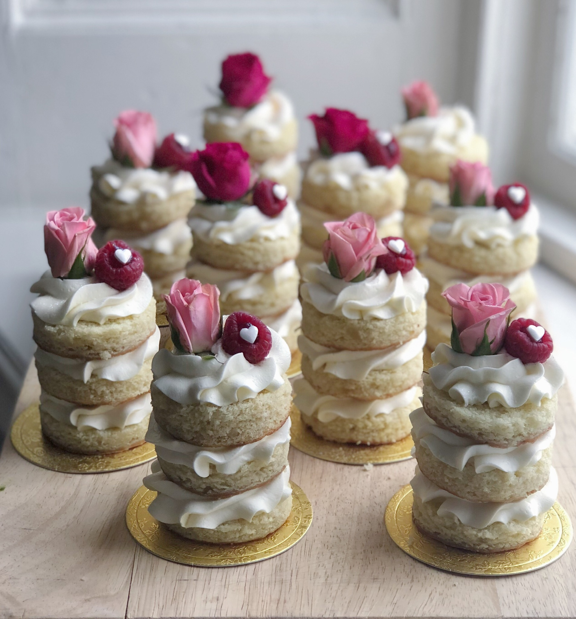 Mini Cakes // Fresh Florals