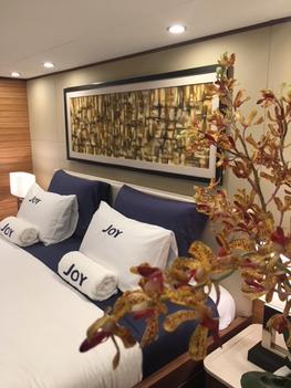interior-yacht-bed1