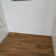 Bodenplatten, Wandplatten in Dusche
