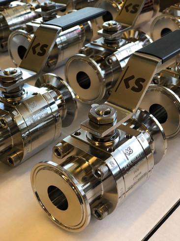 customized ball valve.jpg