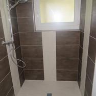 Wandplatten-Dusche