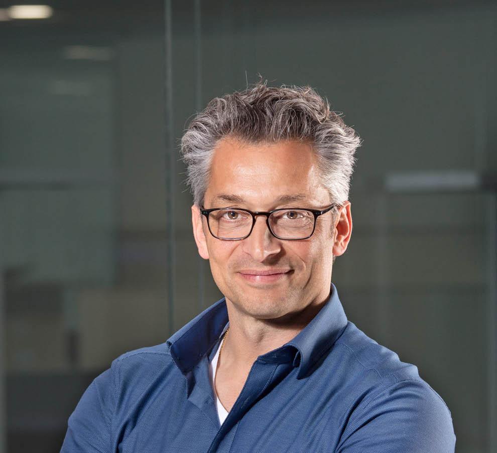 businessportrait-mann-mit-brille