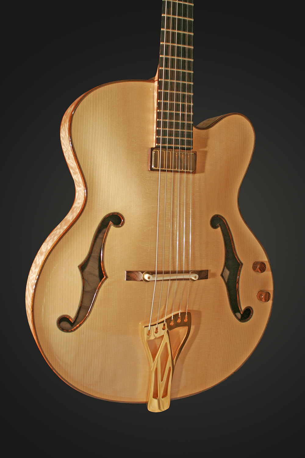 ARCHTOP FRONT CLOSE-UP