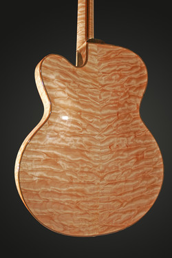 ARCHTOP QUILTED MAPLE