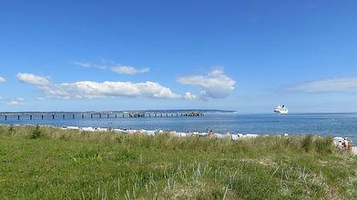 beach-1625737_1920.jpg