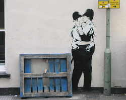 kissing-coppers-banksy-439797_854_680