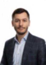 Бизнес-портрет руководителя, фотосессия в студии на белом фоне от фотографа Ардев Борислав