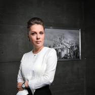 Особенностях в макияже для фотосессии женского бизнес портрета,  как в офисе,так и в студии. Борислав Ардев 2018 Москва