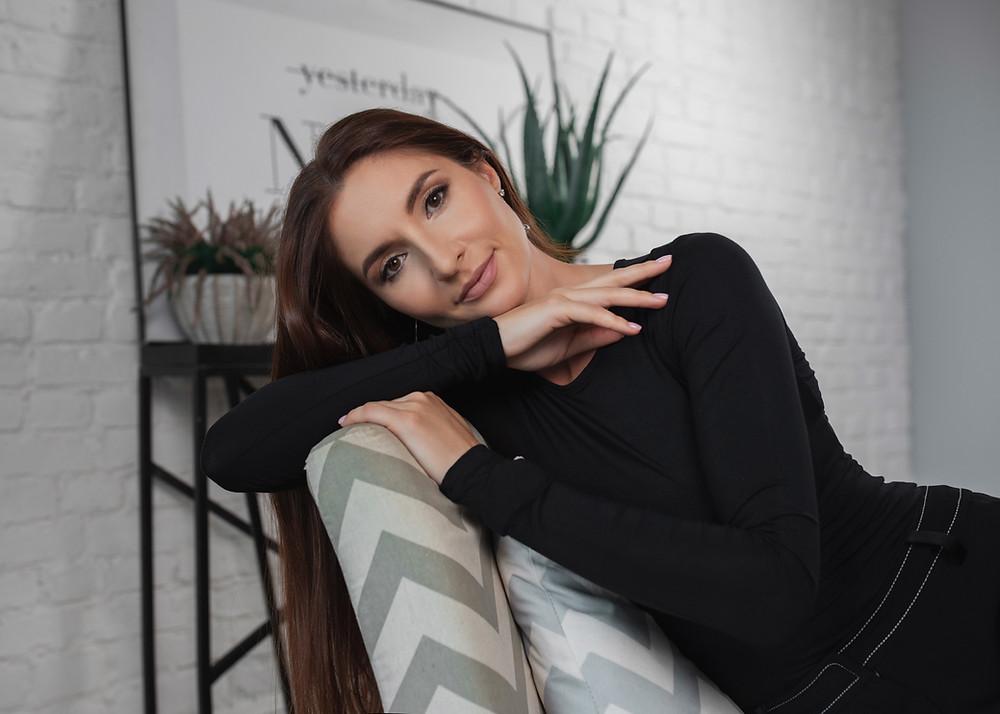 Позы и идеи для женской фотосессии. Женски бизнес портрет