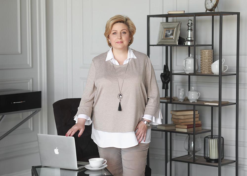 Лучшие фотостудии для бизнес портрета, которые мы рекомендуем: интерьер в деловом стиле.