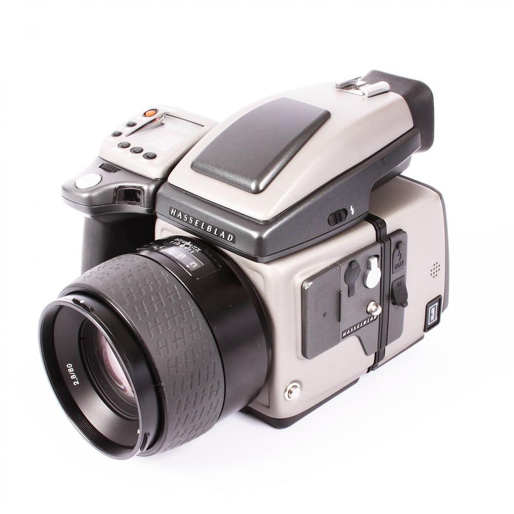 Примерно аренда Hasselblad H4D-40 80mm f 2,8 - 15000р/сутки