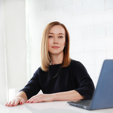 Съемка в деловом стиле для бизнес-аккаунта инстаграм Светлана Юрьевна Генеральный директор -2018 года