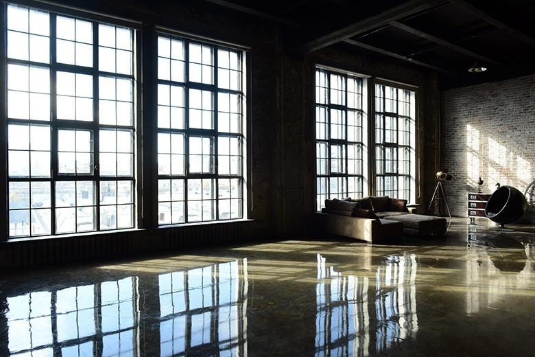 """зал """"Байкал"""" - 2000 ₽ /ч.  160 м2 Подходит для груповых фотосессий сотрудников компании в деловом стиле"""