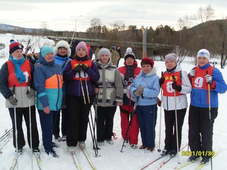 За здоровьем на лыжах.