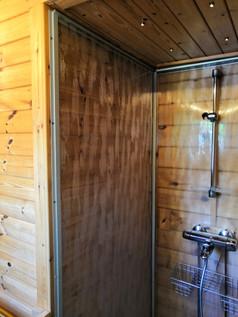 Shower / Suihku