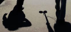 Un promeneur écoutant-France Culture