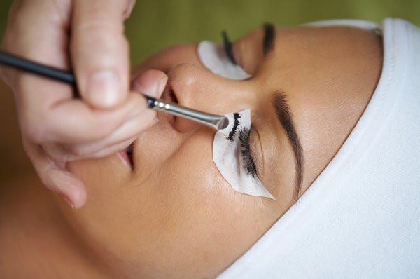 eyebrow-and-eyelash-tinting-telford.jpg