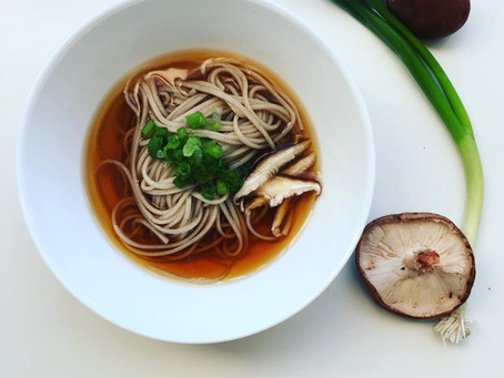 Miho's Quick and Easy Japanese Kitchen: Warm Soba Noodle with Shiitake Mushroom
