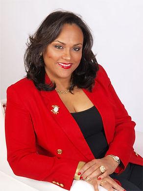 Damiana Mendes Ponce, Realtor