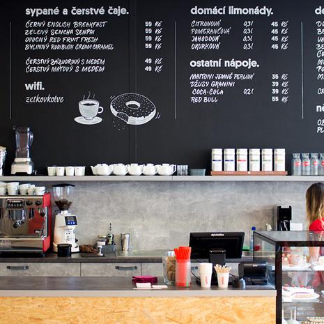 Kaligrafické nápisy - kavárna
