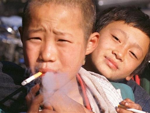 Menos tabaquismo pero más fumadores