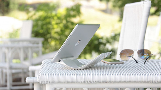 YOHANN iPad Stand by Berend Frenzel