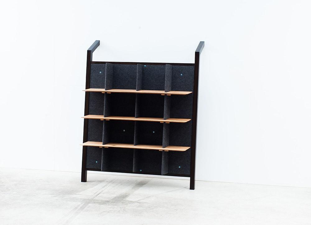 Tilted Shelf