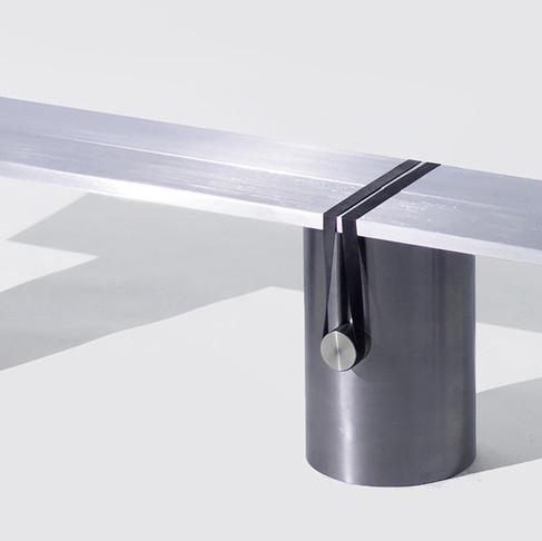 RB02 Bench by Johan Viladrich