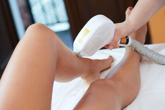1800x1200_laser_hair_removal_on_womans_l
