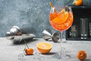 aperol-spritz-cocktail-royalty-free-image-935719416-1547151504.jpg